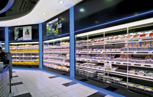 Refrigerated Cabinet Enclosures Made Of Glass In Food Retail Markets